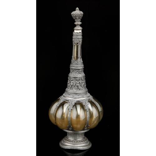 Antigua Botella de Licor de Estaño y Vidrio Soplado. Centroeuropa, Siglo XIX