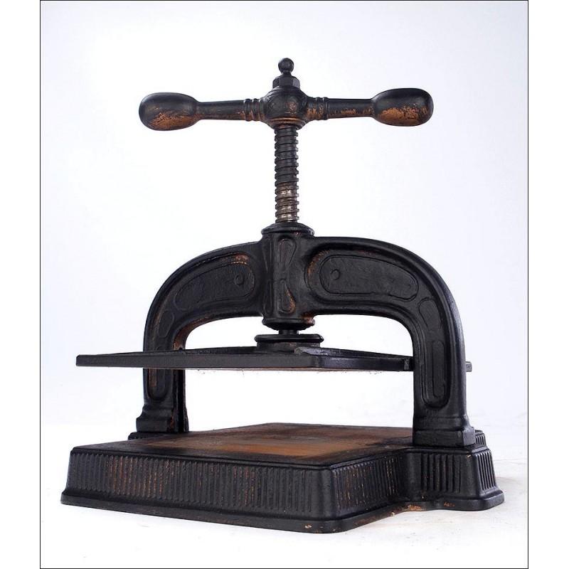Fantástica Prensa Antigua Para Encuadernar Libros. Principios del Siglo XX