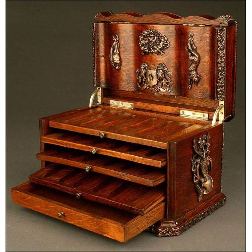 Espectacular Caja de Cigarros Estilo Napoleón III. 2ª mitad del siglo XIX.