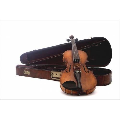 Magnífico Violín Fabricado por Charles Gaillard en Francia, en 1865. En su Estuche Original